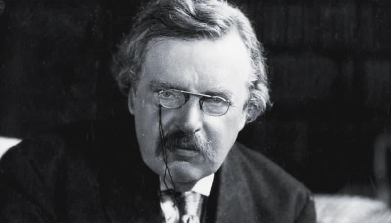 G. K. Chesterton: El muerto de la casa del pavo real